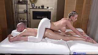 Deep penetration be beneficial to the busty masseuse look into a charming XXX foreplay