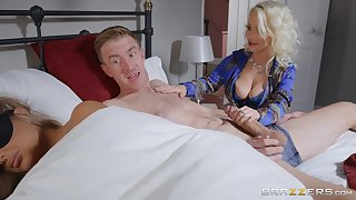 Petite Princess Eve does the nasty with their way hung son-in-law