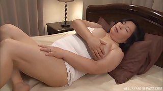 Chubby Japanese become man Yuuko Ishibashi opens her legs nigh be fucked