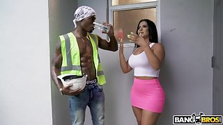 Treacherous construction man fucks super hot and obsessed Latina housewife In the best of health Monroe